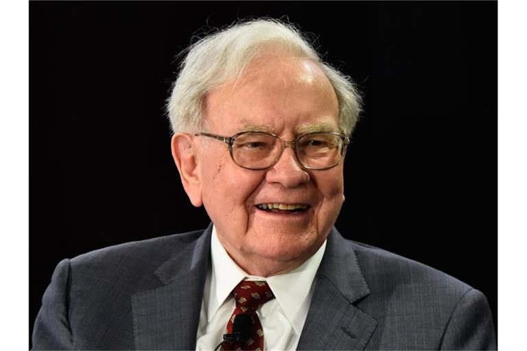 Der 89 Jahre alte US-Staranleger Warren Buffett. Foto: Larry W. Smith/EPA/dpa