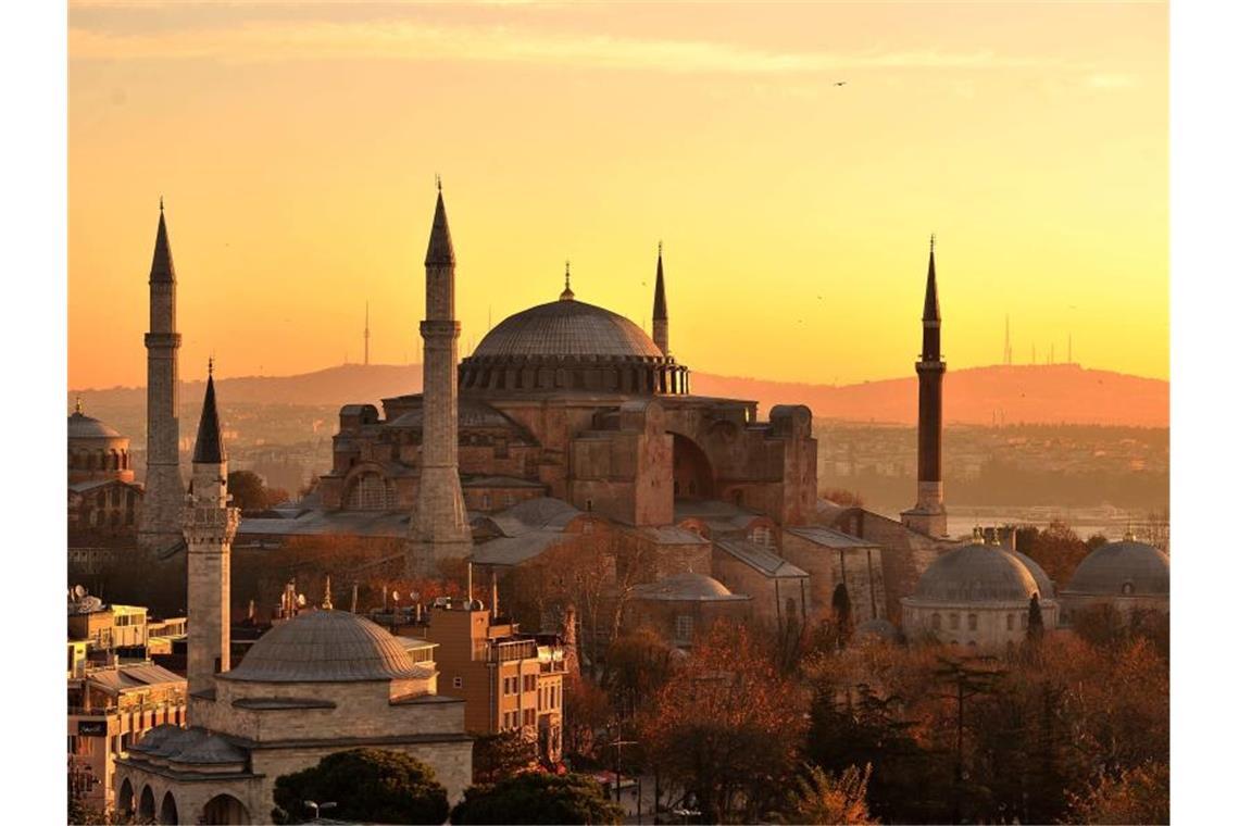 Hagia Sophia: Massenansturm bei erstem Freitagsgebet