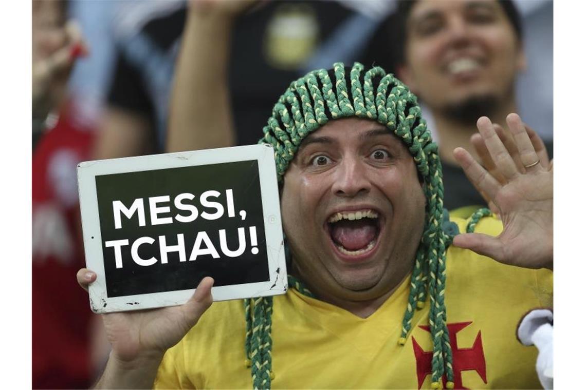Vollbusiger Brasilianischer Teenie Macht Alles Mit