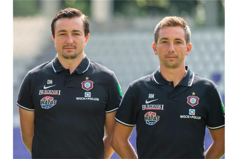 Trainer Daniel Meyer (l) und Co-Trainer Andre Meyer sind in Aue vorerst beurlaubt. Foto: Robert Michael