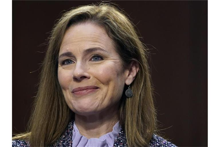 Trumps Kandidatin für das Richteramt am Obersten Gericht: Amy Coney Barrett lächelt. Foto: Drew Angerer/Pool Getty Images North America/AP/dpa